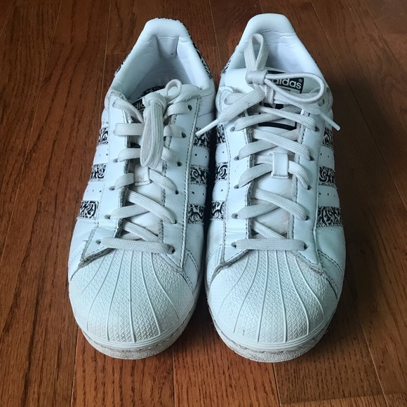 adidas Shoes - Adidas black print superstar